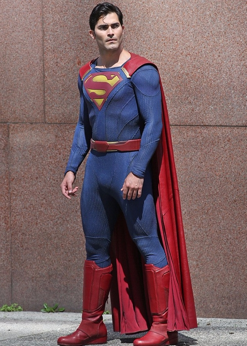 Custom Made Superman Costume by Kiersten Ronning (Costume Designer) in Supergirl - Season 2 Episode 9