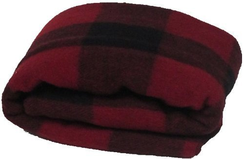Super Soft and Warm Wool Plaid Blanket by Gilbin in Pitch Perfect 2