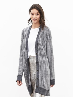 Herringbone Long Sweater Cardigan by Banana Republic in Modern Family