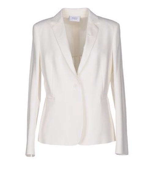 Single Breasted Blazer by Akris Punto in Keeping Up With The Kardashians - Season 12 Episode 2