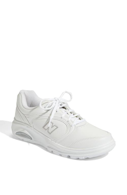'812' Walking Shoe by New Balance in Laggies
