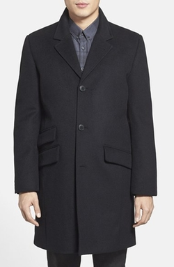 Topcoat by Vince Camuto in The Bourne Ultimatum