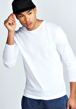 Basic Long Sleeve Crew Neck T-Shirt by Boohooman Basics in Captive