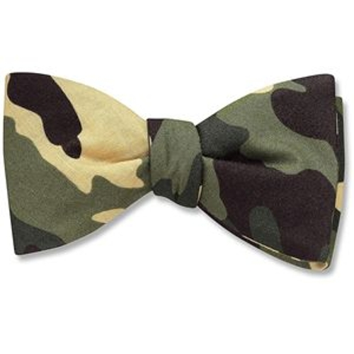 Pretied Bow Tie by Moda Formal Wear in Masterminds