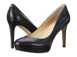 Kimo Pumps by Ivanka Trump in The Good Wife