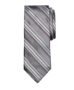 Textured Split Stripe Tie by Brooks Brothers in Wedding Crashers