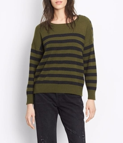 Striped Cashmere Crew Sweater by Vince in Pitch Perfect 3
