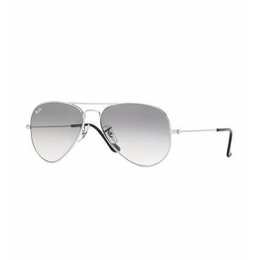 Original Aviator Sunglasses by Ray-Ban in Keeping Up With The Kardashians - Season 12 Episode 16