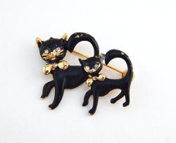 Vintage Two Black Cats Brooch by HiddenStairwayFinds in Neighbors