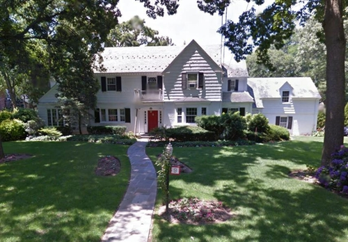 9 Burnham Place (depicted as Altman Residence) Manhasset, New York in This Is Where I Leave You