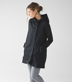 Savasna Waterproof Jacket II by Lululemon in Supergirl