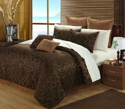 Deco Jacquard Bed by Luxury Bedding Co. in This Is Where I Leave You