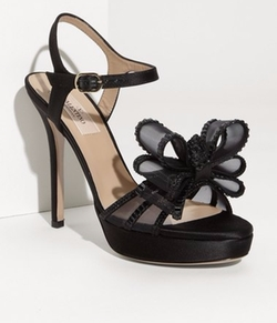 Bow Sandals by Valentino in Pretty Little Liars