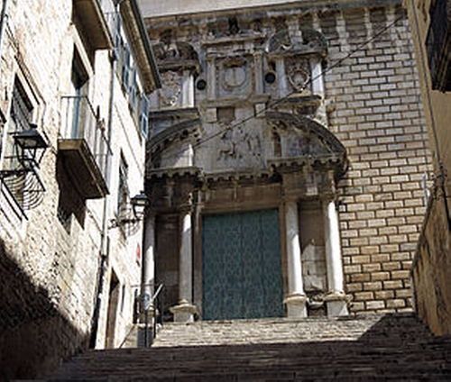 Sant Martí Sacosta (Depicted as Market Stairs in Braavos) Girona, Spain in Game of Thrones - Season 6 Episode 8 - No One