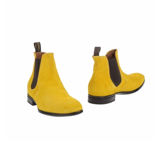 Ankle Boots by Doucal's in Unbreakable Kimmy Schmidt - Season 3 Preview