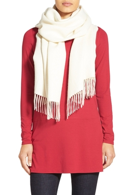 Cozy Fringe Hem Alpaca Scarf by Eileen Fisher in The Good Wife