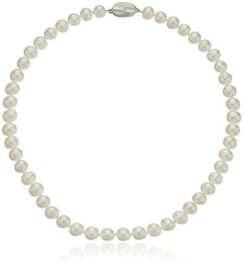White Freshwater Cultured Pearl Necklace by Honora in The Good Wife - Season 7 Episode 5