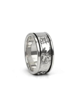 Spirit Spin Ring by Making Waves in Scout's Guide to the Zombie Apocalypse