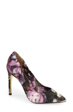 'Neevo' Pointy Toe Pump Shoes by Ted Baker London in Scream Queens