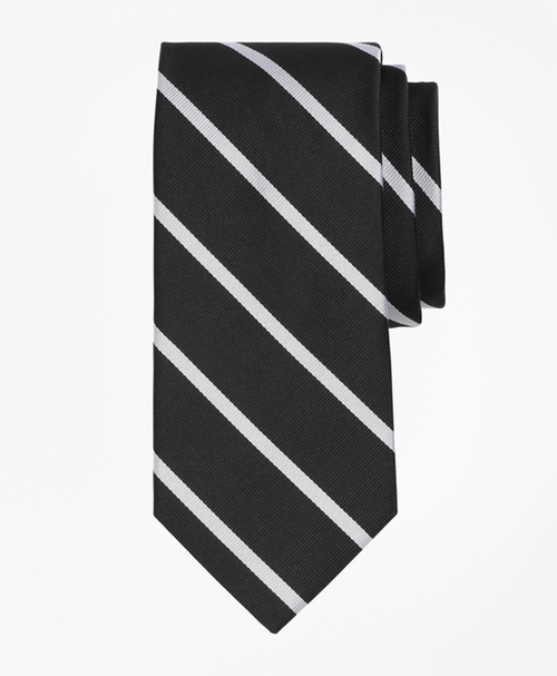 BB#3 Repp Tie by Brooks Brothers in House of Cards - Season 4 Episode 1