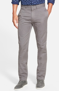 'Newport' Slim Fit Washed Cotton Twill Chinos by Grayers in Quantico