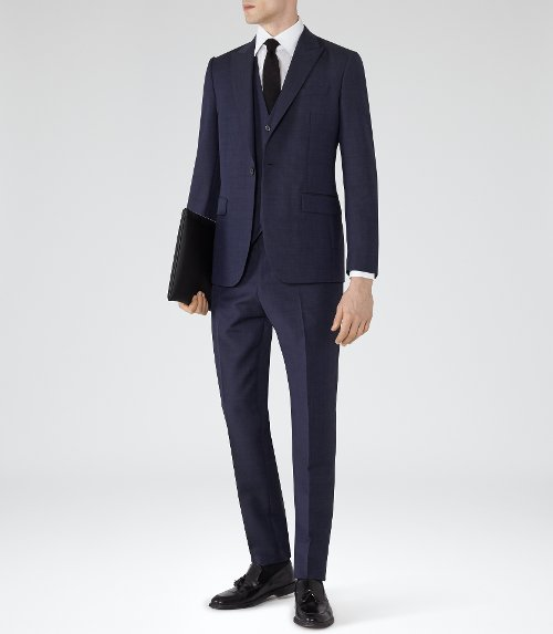 Bowles Peak Lapel Textured Suit by Reiss in The Age of Adaline