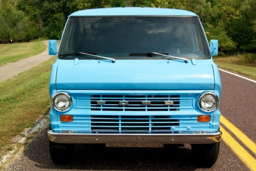 1973 E300 Econoline Supervan by Ford in The Walk