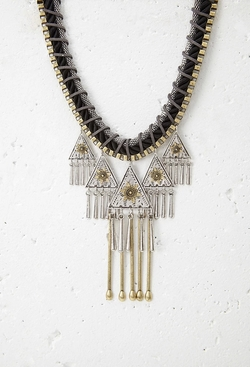 Southwestern-Inspired Statement Necklace by Forever 21 in Scream Queens