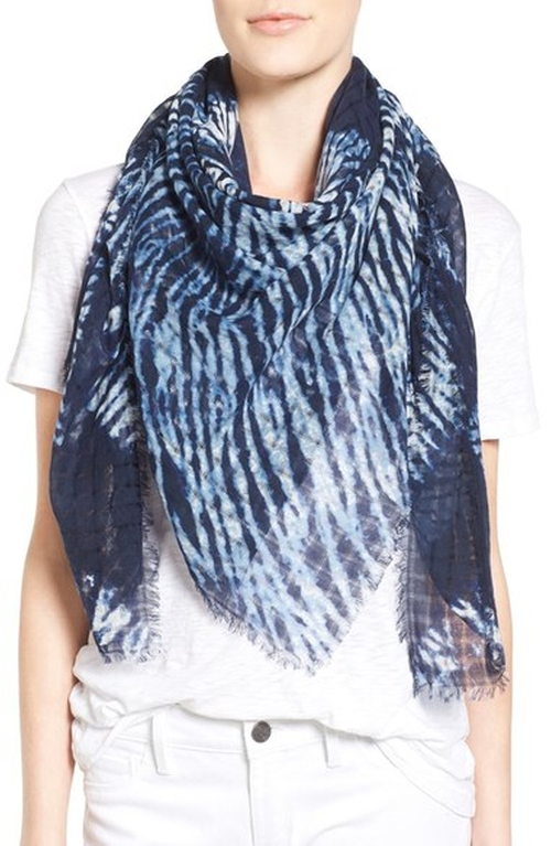 'Midnight Mix' Dip Dye Scarf by Treasure&Bond in The Flash - Season 2 Episode 21