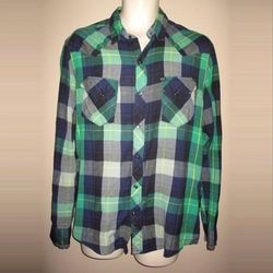 Salt Valley Shadow Plaid Western Button-Down Shirt by Urban Outfitters in The Big Bang Theory