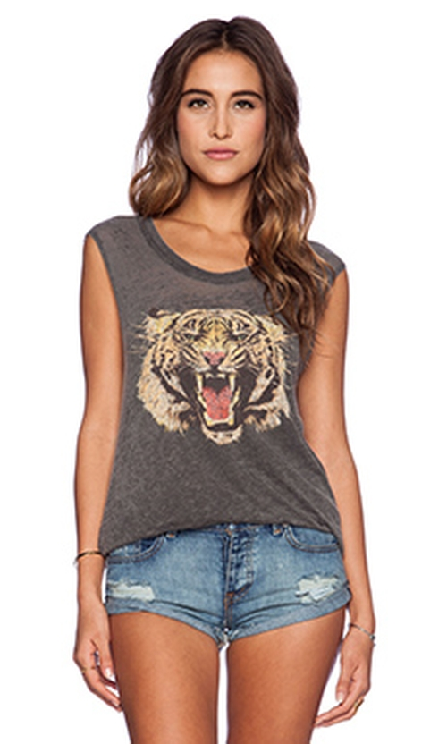 Tiger Growl Tee by Chaser in Pretty Little Liars - Season 6 Episode 6