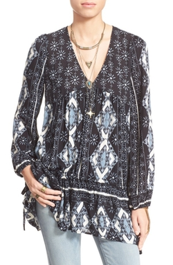 'Viole Bay' V-Neck Tunic Top by Free People in Nashville