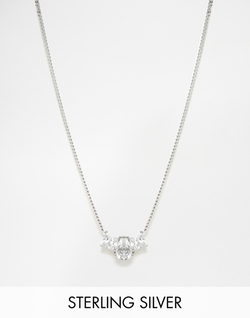 Lochrie Short Pendant Necklace by V Jewelry in Modern Family