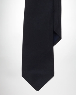 Solid Silk Repp Tie by Ralph Lauren in Mission: Impossible - Rogue Nation