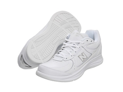 Walking Sneakers by New Balance in Modern Family