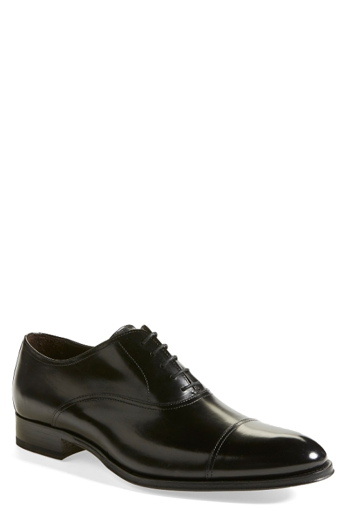 'Brandon' Cap Toe Oxford Shoes by To Boot New York in The Second Best Exotic Marigold Hotel