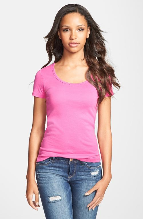 Short Sleeve Scoop Neck Tee by Caslon in Laggies