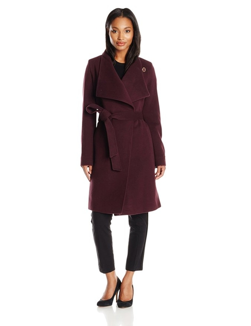 Wool Cashmere Wrap Coat by Anne Klein in House of Cards - Season 4 Episode 12
