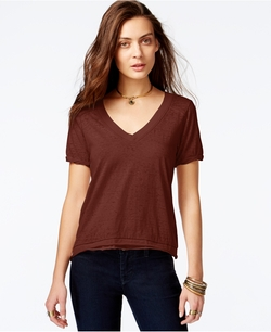 Pearl's V-Neck T-Shirt by Free People in Elf