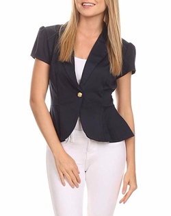 Short Sleeves Fitted Blazer by Private Label in Pitch Perfect 3