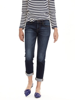 Medium Wash Straight Jeans by Banana-Republic in Modern Family
