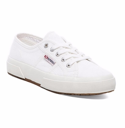 2750 Cotu Classic Sneakers by Superga in Jane the Virgin