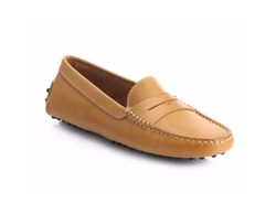 Gommini Leather Driver Loafers by Tod's in The Flash