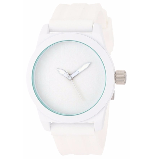 Round Analog Dial Watch by Kenneth Cole Reaction in Unbreakable Kimmy Schmidt - Season 2 Episode 1
