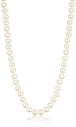 Japanese Akoya Cultured Pearl Necklace by Radiance Pearls in Crazy, Stupid, Love.