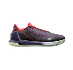 Curry 3 Low Sneakers by Under Armour in Ballers