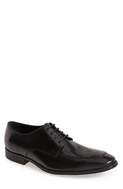 'Air Adams' Oxford Shoes by Cole Haan in The Spy Who Loved Me