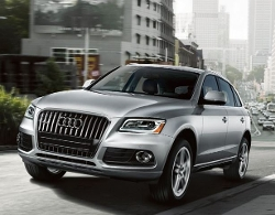 Q5 SUV by Audi in The Gift