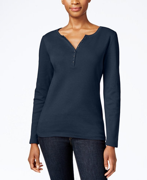 Henley Top by Karen Scott in Quantico - Season 1 Episode 8