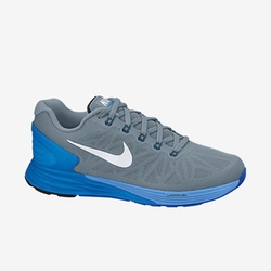 LunarGlide 6 Running Shoe by Nike in Pitch Perfect 2